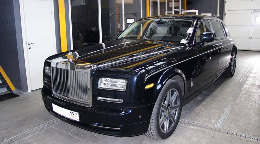 Комплексная химчистка салона Rolls-Royce Phantom