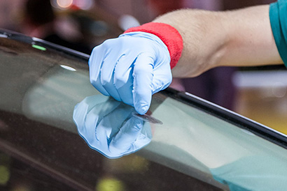 Самостоятельное устранение трещин на лобовом стекле