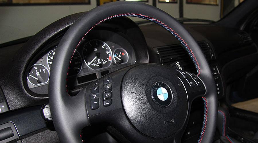 Перетяжка руля кожей BMW