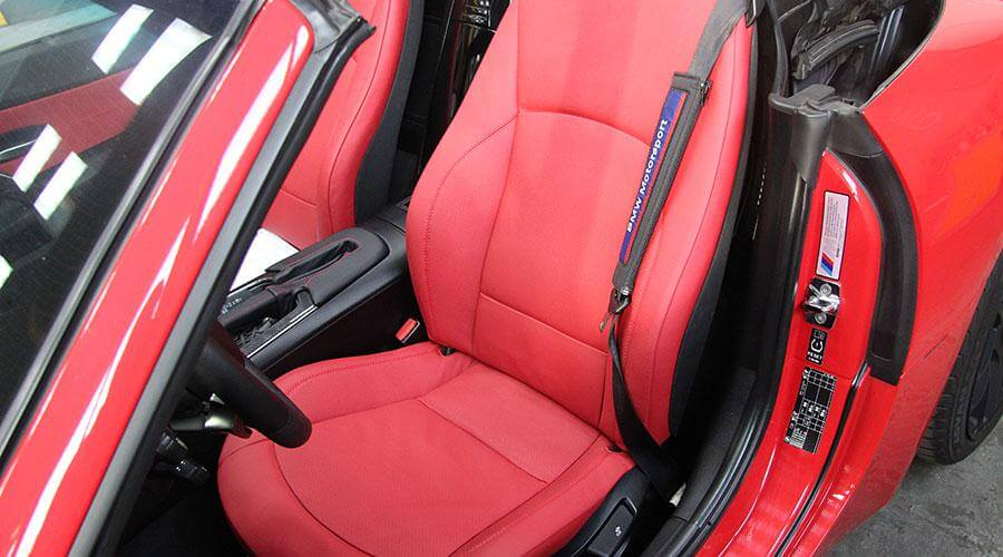 Перетяжка салона и сидений BMW Z4